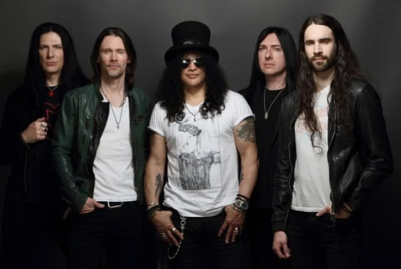 SLASH FEATURING MYLES KENNEDY AND THE CONSPIRATORS To Release New Studio Album In 2021 – Arrow Lords of Metal